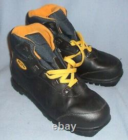 ASOLO AWS 850 Black Cross Country Ski Boots Ladies Size 9 New Old Stock