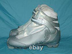 ROSSIGNOL X5 FW Women's XC Cross Country Ski Boots size 38 NNN Excellent