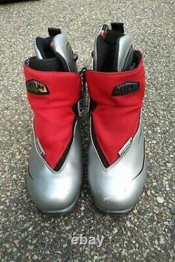 Rossignol Classic Comp Cross Country Ski Boots NNN (41) 8.5 Women's Girls XC
